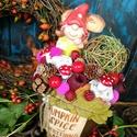 Pumpkin spice, Dekoráció, Dísz, Ünnepi dekoráció, Virágkötés, Barnára festett 25 cm magas kerámia kaspóba tűzőhabot tettem.A habba terméseket, és mű gombákat ill..., Meska