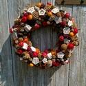 Autumn is coming, Dekoráció, Dísz, Ünnepi dekoráció, Virágkötés, Egy 25 cm-es szalma alapot ragasztottam le különböző termésekkel,kis tobozokkal,narancsos zuzmóval...., Meska