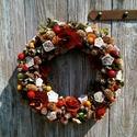 Hello Autumn, Otthon, lakberendezés, Dekoráció, Virágkötés, 30 cm- es szalma alapra ragasztottam terméseket, fa virágokat és szárított hortenziát.Drótból készü..., Meska