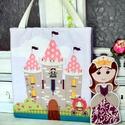 Hercegnős játéktáska , Játék, Baba-mama-gyerek, Baba, babaház, Játékfigura, Varrás, Ez egy ketté hajtható táska . Kívülről a kastély látható ,benne a hercegnő ruhásszekrénye és ágya t..., Meska