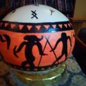 Kézzel festett strucctojás tartóval, Dekoráció, Otthon, lakberendezés, Dísz, Húsvéti apróságok, Festészet, Mindenmás, Az előrajzolt strucc tojást kevés üvegkonturral, akrilfestékkel, lakkfestékkel díszítem, fedőlakkoz..., Meska