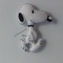 Snoopy filc hűtőmágnes, filcdísz, Dekoráció, Baba-mama-gyerek, Konyhafelszerelés, Hűtőmágnes, Varrás, Kedvenc meséim egyike Snoopy, ez adta az ötletet a hűtőmágnes elkészítéséhet.:) 100% filcből és kézz..., Meska