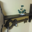 Kulcs formájú kulcstartó., Dekoráció, Otthon, lakberendezés, Festett tárgyak, Famegmunkálás, Fenyőfából készült kivágtam a formát csiszoltam majd dió páccal lakkoztam 20 cm széles 80 cm hosszú..., Meska