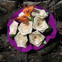 Díszített  7 szálas sárga rózsacsokor lepkés, Dekoráció, Otthon, lakberendezés, Mindenmás, Virágkötés, A csokor 25mm széles szatén szalagból készült rózsafejekből áll, amik átlag 40mm átmérőjűek..  A cs..., Meska
