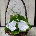 Fehér selyem rózsák kosárban, Esküvő, Otthon, lakberendezés, Papírművészet, Virágkötés, Selyem szalagból készült rózsákat most kiskosárba tettem :)  A rózsák 20mm széles szalagból készüln..., Meska