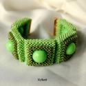 Zöld gyöngyfűzött karkötö, Ékszer, óra, Karkötő, Ékszerszett, Ékszerkészítés, Gyöngyfűzés, Egyedi, saját tervezésű, különleges formavilágú, dekoratív gyöngyfűzött karkötő, a zöld különböző ár..., Meska