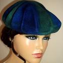 Zöld és kék kalap ( selyem - nemez ), Ruha, divat, cipő, Kendő, sál, sapka, kesztyű, Hajbavaló, Hajpánt, Nemezelés, Selyemfestés, 70% merinói gyapjú,30% hernyóselyem keveréke kalap, gyönyörű selyem kelmére nemezelve. A kész kalap..., Meska