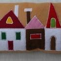 Vidám, házikós díszpárna, Otthon, lakberendezés, Karácsonyi, adventi apróságok, Lakástextil, Párna, , Meska