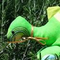 """Játék dinoszaurusz, Baba-mama-gyerek, Játék, Plüssállat, rongyjáték, Varrás, Gyermeked a """"dinó mánia"""" nevű betegségben szenved? Ez a tündéri, zöld mintás anyagból készült dinos..., Meska"""