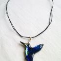 Ultrakék kolibri II. Tiffanyüvegből kifaragva, Ékszer, óra, Medál, Üvegművészet, Mindenmás, Csodaszép üvegből kifaragott világító kék kolibri. Nagyon finom kivitelezésű  akár romantikus akár ..., Meska
