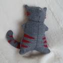 Cica figura 1., Játék, Gyerekszoba, Dísz, Játékfigura, Varrás, Egyik kolléganőm kért tőlem egy cicát a Kisfiának. Megpróbáltam, rögtön kettő Cirnyák is készült......, Meska