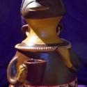Inka figurális edény, Dekoráció, Otthon, lakberendezés, Kerámia, Az itt látható figurális edény hátán lévő edénykéhez hasonló aribalók az inka kerámia jellegzetes e..., Meska