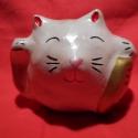 Fehér színű szerencse macska (maneki neko), Dekoráció, Otthon, lakberendezés, Dísz, Kerámia, A maneki neko szerencsehozó talizmán, melyet gyakran látni üzletek, éttermek stb. előtt a késő Edo ..., Meska
