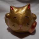 Arany színű szerencse macska (maneki neko), Dekoráció, Otthon, lakberendezés, Dísz, Kerámia, A maneki neko szerencsehozó talizmán, melyet gyakran látni üzletek, éttermek stb. előtt a késő Edo ..., Meska