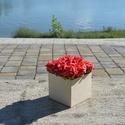 Rózsa dobozok, Esküvő, Dekoráció, Esküvői dekoráció, Dísz, Virágkötés, 12x12 cm es fadobozban 9 szál polifon rózsa, akár elkészíthető élő virággal is a fadobozokat egyedi..., Meska