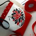 Kis piroska,oldaltáska kézzel festett virággal, Táska, Ruha, divat, cipő, Képzőművészet , Válltáska, oldaltáska, Festett tárgyak, Varrás, Ennek a táskának a készitése során csak piros,fekete és fehér szinek kontrasztját használtam fel. A..., Meska