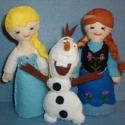 Frosen Elsa,Anna és Olaf, Játék, Plüssállat, rongyjáték, Varrás, Hímzés, A jégvarázs szereplőit hoztam el gyermekednek.18 cm-es Elsa és Anna hercegnőket,Olaf hóembert 14cm...., Meska