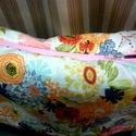 Japán virágos válltáska, Táska, Válltáska, oldaltáska, Varrás, Patchwork, foltvarrás, 25x35x7cm nagyságú japán textilből varrt, fekete textilbőrrel kombinált válltáska  Pántja 90cm-es. ..., Meska