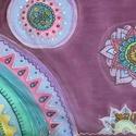 Lila-mandalás kézzel festett selyem sál, Ruha, divat, cipő, Kendő, sál, sapka, kesztyű, Kendő, Női ruha, Selyemfestés, 40x150cm méretű kézzel festett selyem sál. A festés öröméért, szabadkézzel készült színes-vidám sel..., Meska