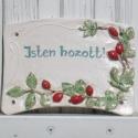 Kerámia üdvözlő tábla., Otthon, lakberendezés, Falikép, Kerámia, Ezt a vidám hangulatú táblát fehér színű,apró szemcsés samottos agyagból készítettem.Mérsékelten fa..., Meska