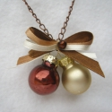 Karácsony barna romantikában-ékszerszett, Ékszer, óra, Ékszerszett, Ékszerkészítés, Egy elegáns barna és ekrű karácsonyi ékszer szett. Bronz láncra két kis ünnepi díszgömböt tettem a ..., Meska