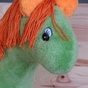 Pihe-puha, mesebeli zöld lovacska, Játék, Baba-mama-gyerek, Dekoráció, Plüssállat, rongyjáték, Varrás, Ez a mesebeli zöld lovacska, bár a valóságban nem fordul elő ilyen merész színekben, a gyermeki kép..., Meska