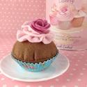 Csokis puncsos muffin, Dekoráció, Játék, Dísz, Baba, babaház, Varrás, Gyapjúfilcből készült élethű muffin. Babakonyhába gyerekeknek vagy akár dekorációként ínyenc felnőt..., Meska