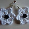 Virág formájú fehér horgolt fülbevaló fémérzékenyeknek is, Ékszer, óra, Fülbevaló, , Meska