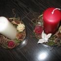 Piros- fehér gyertyás asztaldísz kis üvegtálkákban, Dekoráció, Karácsonyi, adventi apróságok, Otthon, lakberendezés, Mindenmás, Virágkötés, Két kis üvegtálkát (10cm) kibéleltem száraz illetve zöld mohával. A közepébe fehér illetve piros tö..., Meska