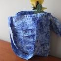 Kék rakott táska, Táska, Ruha, divat, cipő, Válltáska, oldaltáska, Varrás, Batikolt jellegű kék táska, elején hajtásokkal díszítve. Tartását a merevítő közbélés adja. Bélése ..., Meska