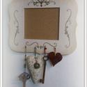 Tulipános festett  kulcstartós memo tábla, Bútor, Magyar motívumokkal, Dekoráció, Kézzel festett memória tábla. alul kulcstartóval Ideális irodába, vagy otthon előszobába, konyhába. ..., Meska