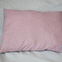 Káró mintás rózsaszín kispárna, Baba-mama-gyerek, Gyerekszoba, Falvédő, takaró, Varrás, Készleten van, azonnal vihető!  Káró mintás rózsaszín kispárna polár hátoldallal, vatelinnel töltve..., Meska
