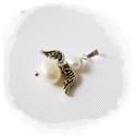 Tenyésztett gyöngy Duci ANGYALKA ezüst színű medál, Ékszer, óra, Fülbevaló, Ékszerkészítés, Ötvös, Általam készített  tenyésztett gyöngy angyalkás medál, ezüst színű szerelékkel.   2,5 cm , Meska