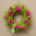 borzaska- koszorú minirózsákkal, Otthon, lakberendezés, Dekoráció, Mindenmás, 22 cm átmérőjű szalma koszorú,pink virágfejekkel, zöld kötözőrafiával és egy kötött levélkével.  , Meska
