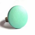 Menta bőr gyűrű, Ékszer, óra, Gyűrű, Ékszerkészítés, Pasztell menta színű textilbőrrel bevont gomb, gyűrűként.  A gomb mérete 25 mm, sárgaréz színű, áll..., Meska