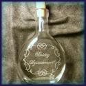 Gravírozott palack , Férfiaknak, Konyhafelszerelés, Kancsó , Üvegművészet, 200 ml-es üveg dugóval. Kézzel gravíroztam a mintát. A Boldog születésnapot felirat helyett más 2-3..., Meska