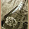 Gravírozott palack - KÉSZLETEN, Férfiaknak, Konyhafelszerelés, Magyar motívumokkal, Kancsó , Üvegművészet, 500 ml-es kézzel gravírozott üveg dogóval.   Megbeszélés után más mintával/ felirattal is kérhető. , Meska