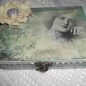 Vintage ékszerdoboz virággal, Otthon, lakberendezés, Tárolóeszköz, Doboz, Decoupage, szalvétatechnika, Igazán egyedi vintage stílusú ékszeres doboz melynek mérete: 15x10,5x6 cm . A kép transzferálással ..., Meska