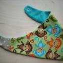 Zöld majmos nyálkendő, Baba-mama-gyerek, Ruha, divat, cipő, Baba-mama kellék, Kendő, sál, sapka, kesztyű, Varrás, A képen látható nyálfogó kendőt vidám mintás designer pamut anyagból és puha türkizkék babyplüssből..., Meska