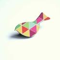 Geometrikus Madár - kitűző - Woody kollekció, Ékszer, óra, A kitűző a következő anyagokból készült:   * geometrikus mintákkal nyomott fa madár  * kitűző   Mére..., Meska
