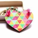 Geometrikus Szív - design ékszer - nyaklánc - Woody kollekció, Ékszer, óra, Nyaklánc, A nyaklánc a következő anyagokból készült:  * színes, geometrikus mintájú szív alakú fa medál * pink..., Meska
