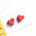 Piros szív - bedugós fülbevaló - Woody kollekció, Ékszer, óra, Fülbevaló,  A fülbevaló a következő anyagokból készült:   * piros szív alakú bedugós fa fülbevaló  * ezüstözött..., Meska