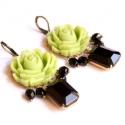 Zöld rózsa - nagy fülbevaló rózsával és üveggel , Ékszer, óra, Fülbevaló, A fülbevaló a következő anyagokból készült:   * zöld műanyag rózsa * fekete csiszolt üveg és  üveggy..., Meska