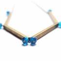Csövek -  nyaklánc kocka alakú csövekkel, kék, Ékszer, óra, A nyaklánc a következő anyagokból készült:  * kocka alakú sárgaréz csövek  * kék achát gyöngyök * sá..., Meska