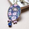 Kék mező nyaklánc - design ékszer, Ékszer, óra, Nyaklánc, A nyaklánc a következő anyagokból készült:   * kék, rózsaszín és zöld virágos textil * rózsazsín üve..., Meska