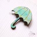 Kék mintás esernyő- kitűző - Woody kollekció, Ékszer, óra, A kitűző a következő anyagokból készült:   * kékes mintával nyomott fa esernyő * kitűző   A minta Be..., Meska