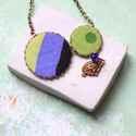 Lila macska - nyaklánc - design ékszer, Ékszer, óra, Nyaklánc, A nyaklánc a következő anyagokból készült:   * zöld-lila-fekete színű textilek * kék üveggyöngy, sár..., Meska