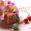 Hortenzia - design ékszer - állítható nagy nyaklánc nagy virággal, Ékszer, óra, Nyaklánc, A nyaklánc a következő anyagokból készült:   * művirág - hortenzia(10 cm)  * piros és zöld jáde gyön..., Meska