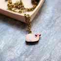 Rózsaszín minibálna - nyaklánc - Woody kollekció, Ékszer, óra, Nyaklánc, A nyaklánc a következő anyagokból készült:  * icipici rózsaszín színű bálna fából * sárgaréz lánc  M..., Meska