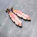 Rózsaszín Toll - nagy bedugós fülbevaló , Ékszer, óra, Fülbevaló, A fülbevaló a következő anyagokból készült:   * nagy toll formájú bedugós fülbevaló rózsaszín fa * b..., Meska